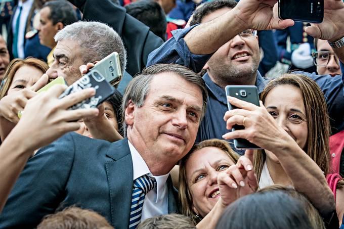 Na largada – Bolsonaro, que no cenário sem Lula lidera a corrida presidencial,…