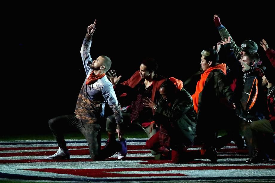 O show foi marcado pela performance de Justin Timberlake junto com dançarinos