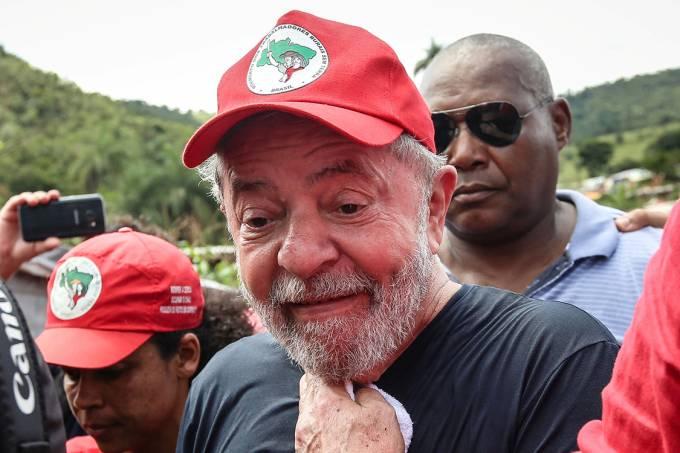 O ex-presidente Lula visita o acampamento do MST em Itatiaiuçu, Minas Gerais – 21/02/2018
