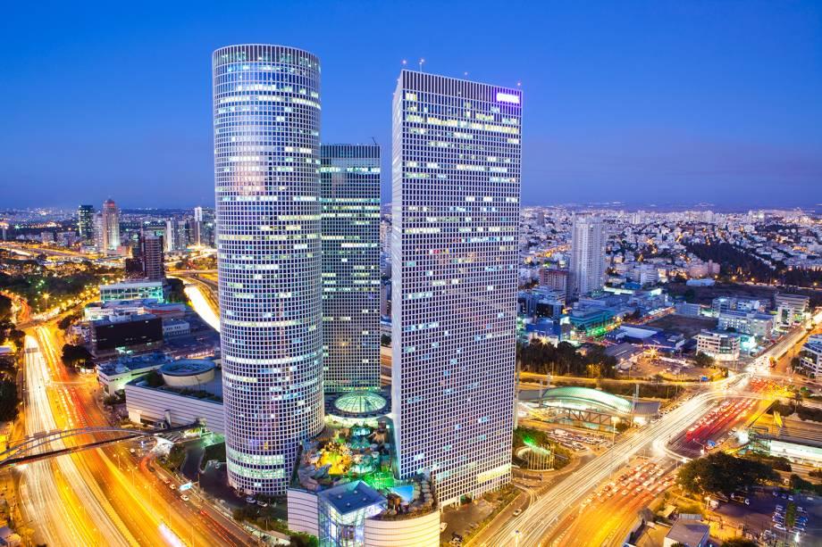 Vista das torres Azrieli na cidade de Tel-Aviv, em Israel