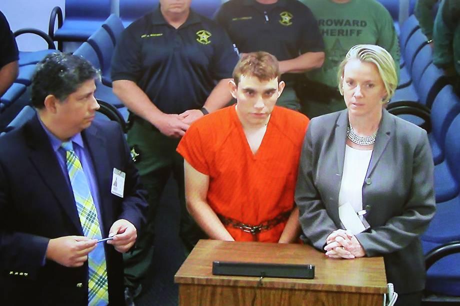 Nikolas Cruz, 19, durante audiência no tribunal do condado de Broward, na Flórida