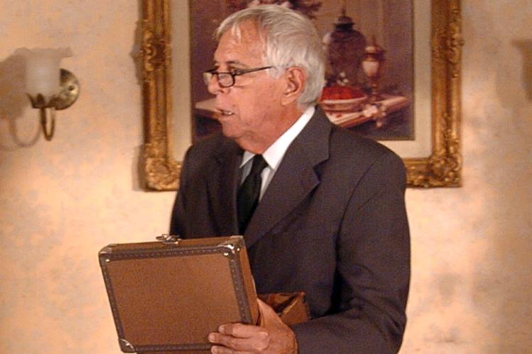 Oswaldo Loureiro na novela ' A Lua me disse' (2005)
