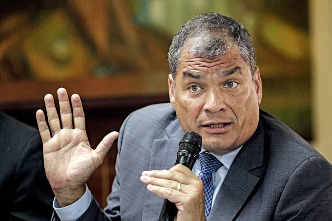 Derrotado – Correa, ao depor em investigação sobre corrupção