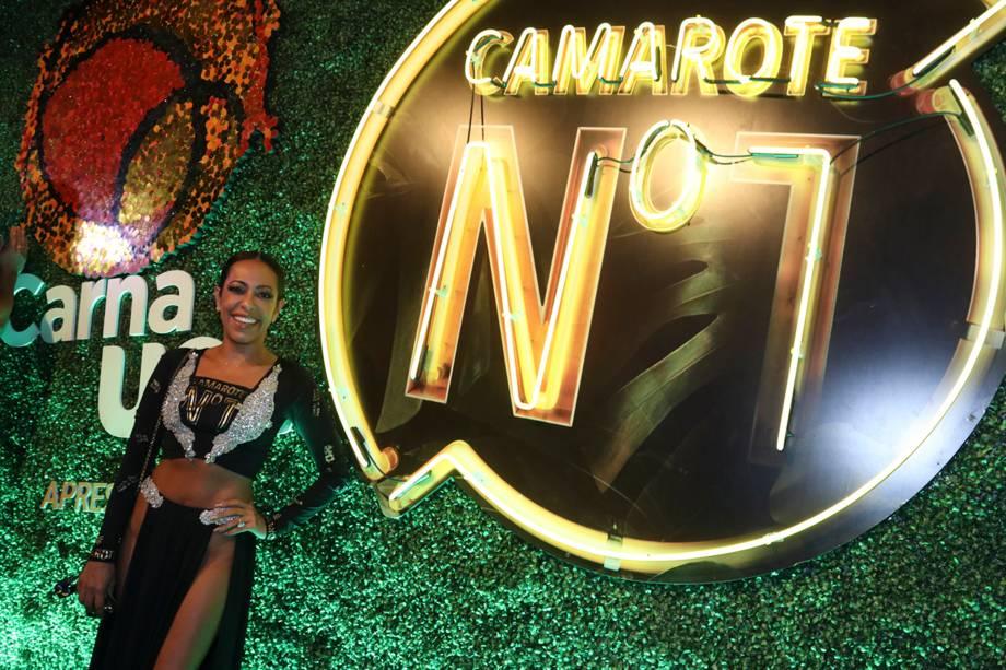 Samantha Schmütz chega no Camarote Nº1 para curtir o carnaval na Sapucaí - 12/02/2018