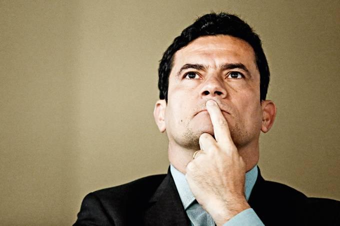 """Sérgio Moro – O juiz da Lava-Jato recebe auxílio-moradia tendo casa em curitiba. Diz que o valor """"compensa"""" a falta de reajuste salarial da classe"""