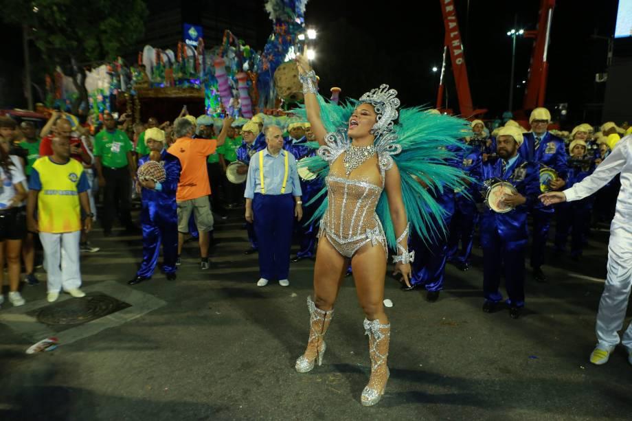 Juliana Alves, madrinha de bateria da Unidos da Tijuca, durante desfile da escola de samba na Sapucaí - 12/02/2018