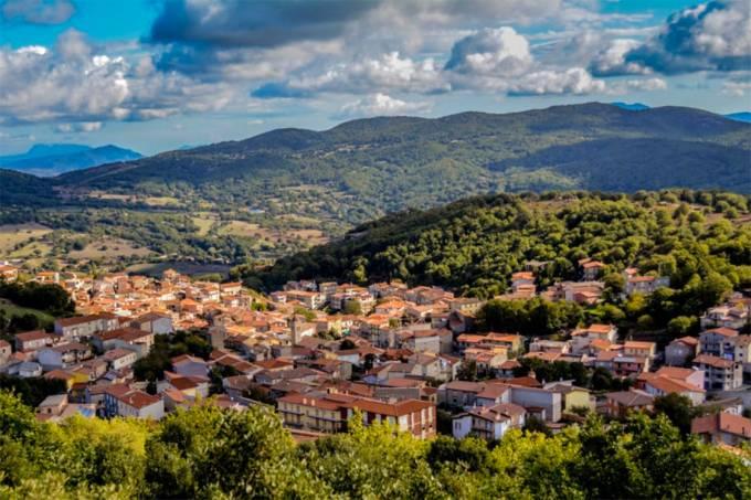 Comuna de Ollolai na ilha da Sardenha, Itália