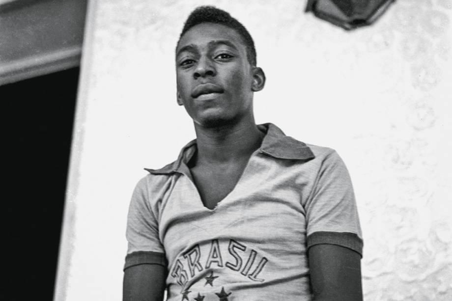 Pelé mal entrado na adolescência, aos 17 anos