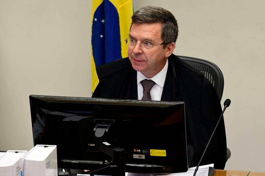 A Quinta Turma do Superior Tribunal de Justiça (STJ) começa a julgar pedido do ex-presidente Luiz Inácio Lula da Silva para evitar prisão após segunda instância - 06/03/2018