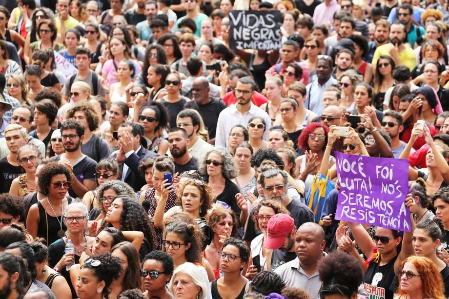 Apoiadores da vereadora Marielle Franco participam do velório da parlamentar na Câmara Municipal do Rio de Janeiro - 15/03/2018