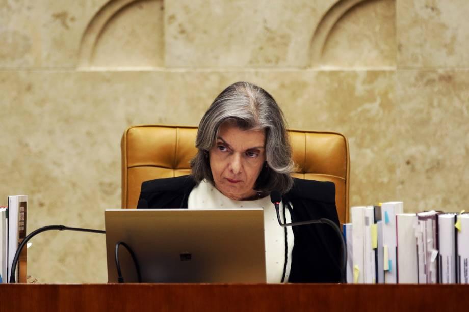 A presidente do STF (Supremo Tribunal Federal), Cármen Lúcia, durante sessão que julga habeas corpus preventivo do ex-presidente Lula - 22/03/2018