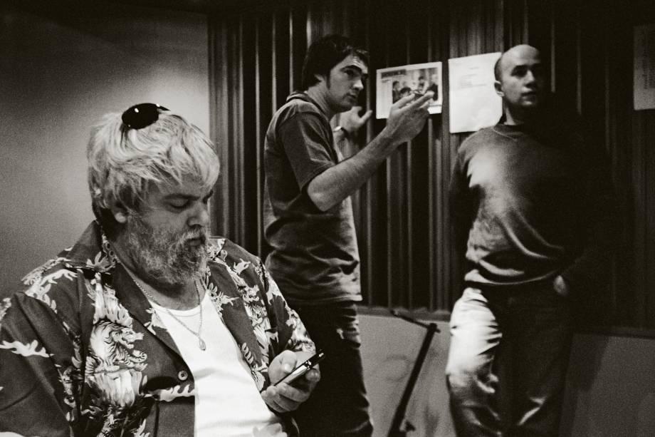 Carlos Eduardo Miranda, Samuel Rosa e Haroldo Ferreti, em gravação do clipe Uma Canção é Para Isso, da banda Skank, no Estúdio Máquina - 06/12/2006