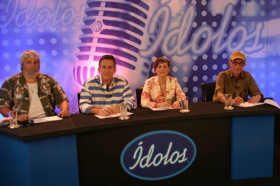 """Carlos Eduardo Miranda, Thomas Roth, Cyz e Arnaldo Saccomani, jurados do programa """"Ídolos"""", do SBT - 01/01/2006"""