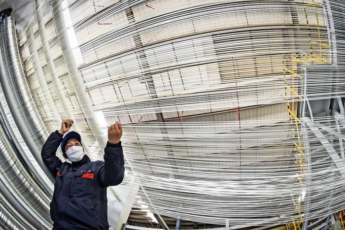 Teia do conhecimento – Fábrica de fibra de carbono na China: o país deu um salto no número de patentes aceitas nos EUA