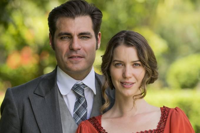 Elisabeta (Nathalia Dill) e Darcy (Thiago Lacerda), os protagonistas de 'Orgulho e Paixão'