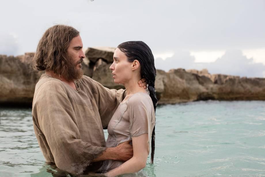 Jesus (Joaquin Phoenix), e Maria (Rooney Mara) em cena do filme 'Maria Madalena'