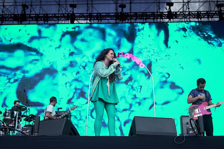 A cantora Tiê se apresenta no terceiro dia do festival Lollapalooza, no Autódromo de Interlagos - 25/03/2018