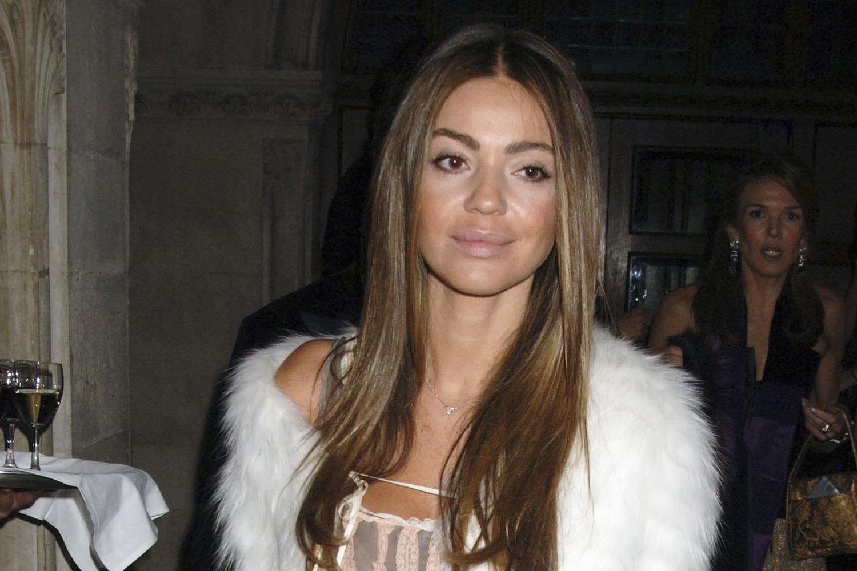 Simone Abdelnour participa de evento em Londres, na Inglaterra - 28/01/2006