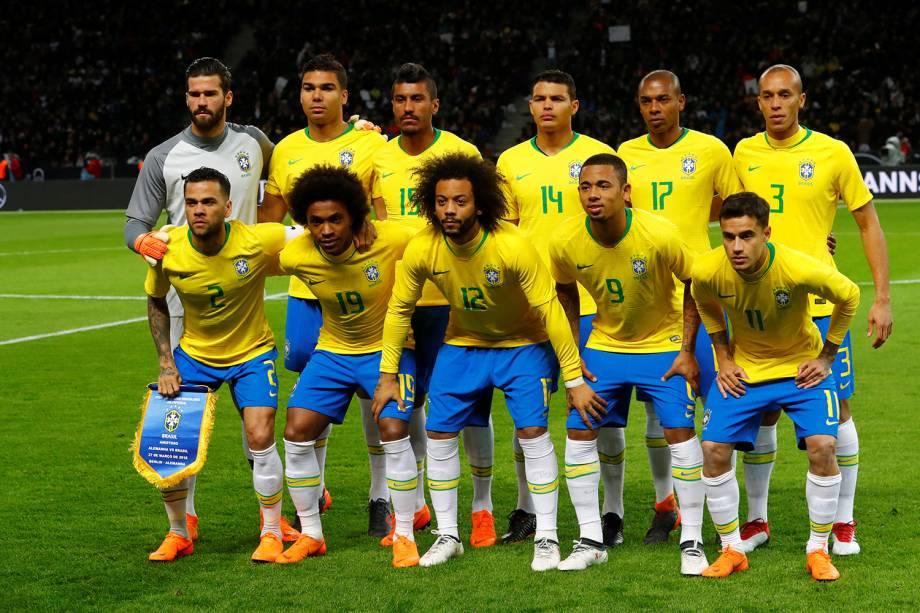 Seleção Brasileira posa para foto antes de amistoso contra a Alemanha,  realizado no Estádio Olímpico de Berlim - 27/03/2018