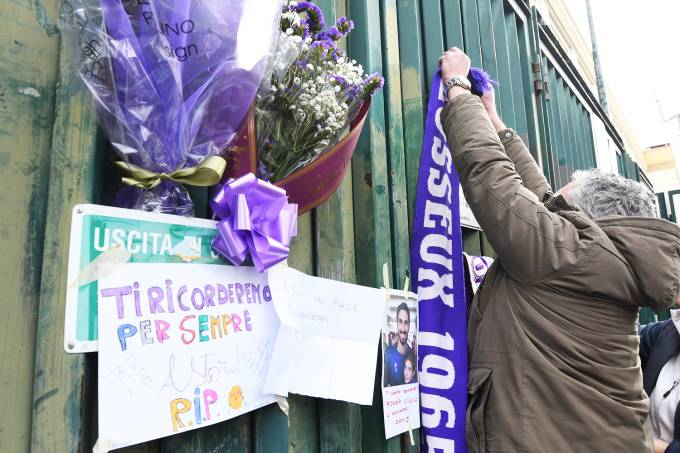 Homenagens ao ex-zagueiro da Fiorentina, Davide Astori