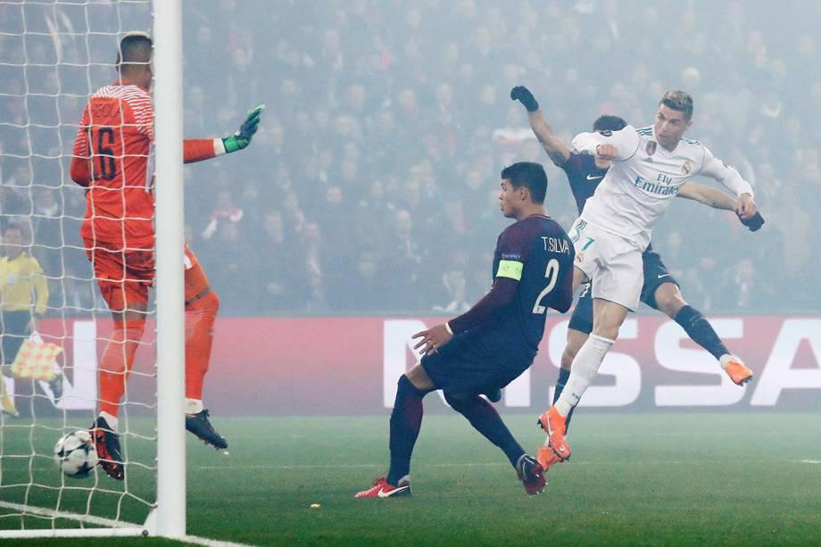 Sequência do gol de cabeça marcado por Cristiano Ronaldo contra o PSG