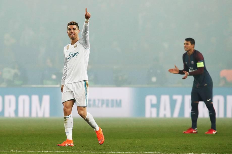 Cristiano Ronaldo comemora após marcar gol contra o PSG