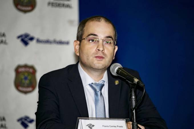 Flávio Correa Prado, auditor fiscal da Receita Federal, diurante coletiva na sede da Polícia Federal, em São Paulo