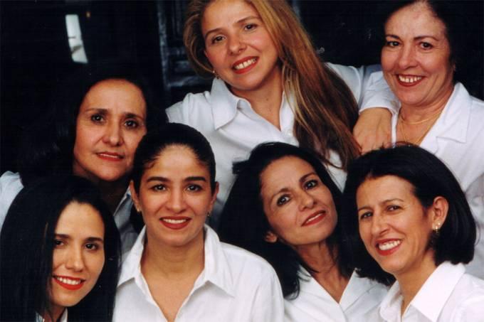 Salão brasileiro J Sisters