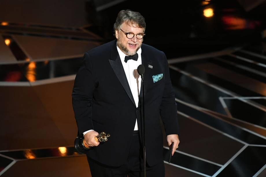 O diretor Guillermo del Toro ganha o Oscar de melhor direção por 'A Forma da Água'
