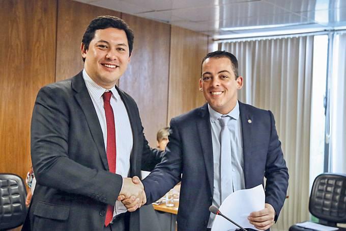 Ordens de cima – O ministro Helton Yomura e o secretário Leonardo Arantes: cúpula sob suspeita
