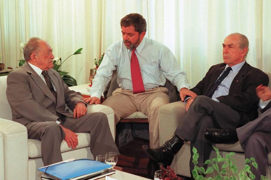 O ex-governador de Pernambuco, Miguel Arraes, Lula e o político Leonel Brizola, discutem uma frente única de oposição para a eleição presidencial, em 1998.