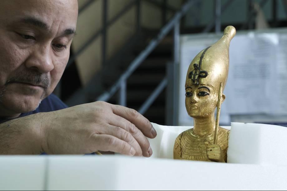 Objetos da exposição King Tut: Tesouros do faraó dourado