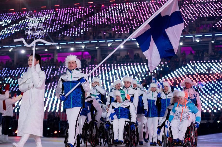 Delegação da Finlândia durante a abertura das Olimpíadas Paralímpicas de PyeongChang, na Coreia do Sul