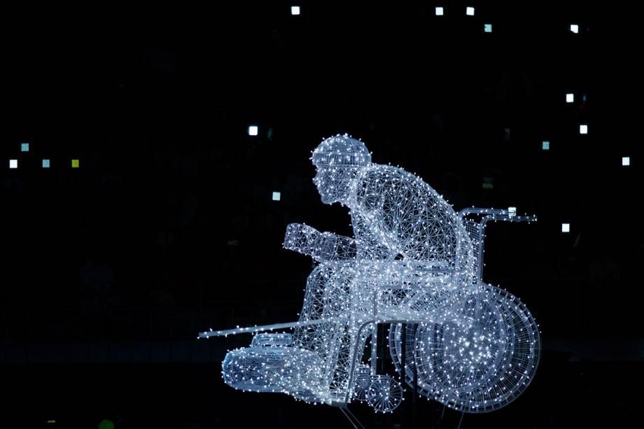 Uma escultura de luz é vista durante a abertura das Olimpíadas Paralímpicas de PyeongChang, na Coreia do Sul