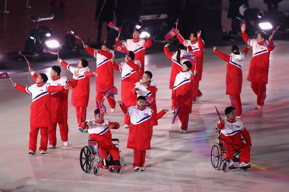 Delegação da Coreia do Norte durante a abertura das Olimpíadas Paralímpicas de PyeongChang, na Coreia do Sul