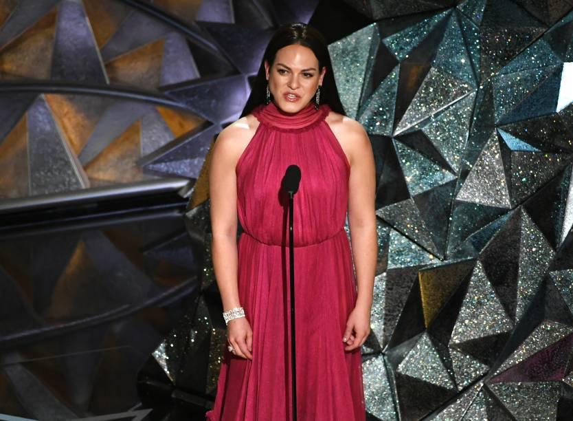 A atriz Daniela Vega fala durante o Oscar 2018