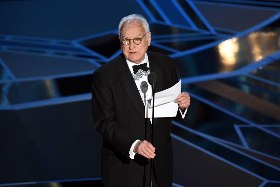 James Ivory recebe o Oscar de melhor roteiro adaptado por 'Me Chame pelo Seu Nome'