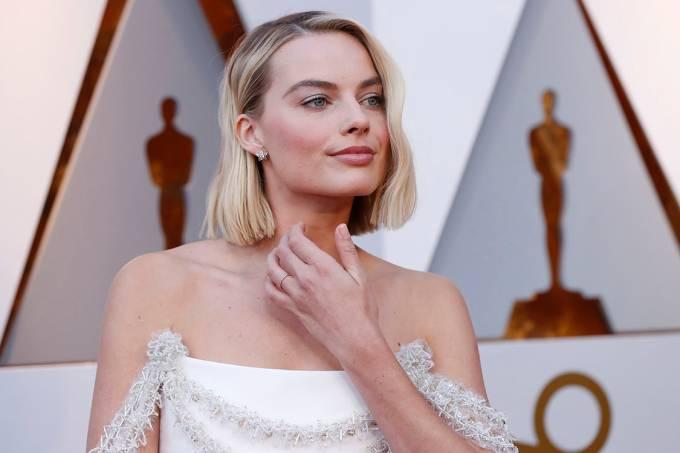 A atriz Margot Robbie no tapete vermelho do Oscar 2018
