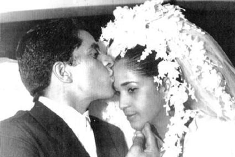 Em 1969, casa-se com Maria de Lourdes, sua namorada desde os 18. Dois anos depois, grávida de sete meses, anêmica e com hepatite, Lourdes adoece e morre durante a cesárea. O bebê também não resiste.