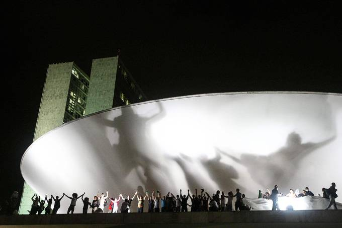 Levante – Uma manifestação em Brasília, em 2013: o lugar de mulher negra e favelada é também o Parlamento