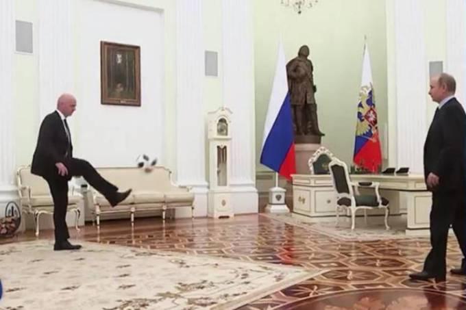 Gianni Infantino e Vladimir Putin no Kremlin
