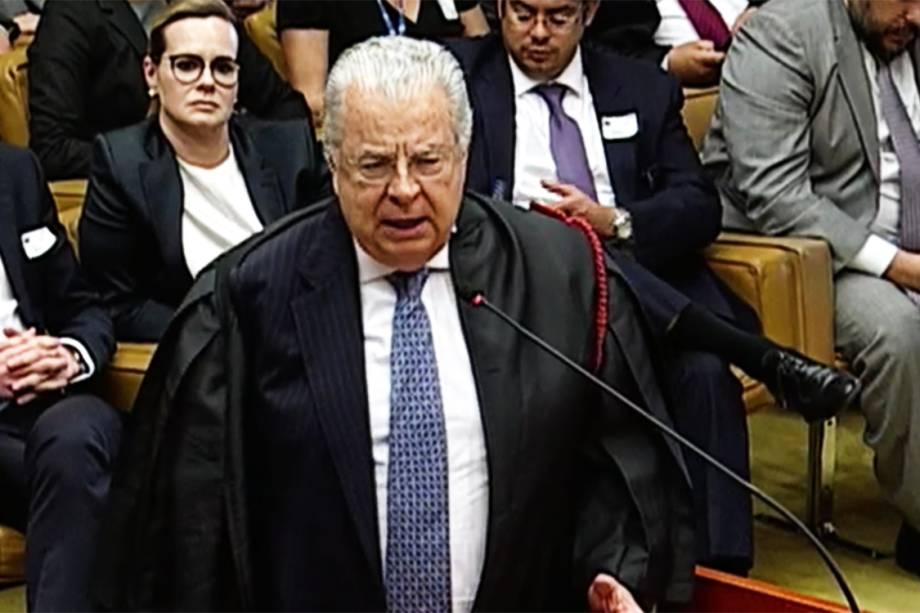 O advogado do ex-presidente Lula, José Roberto Batochio, durante sessão no STF que julga habeas corpus preventivo do petista - 22/03/2018