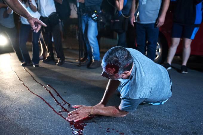 Manifestante ferido em frente o Instituto Lula