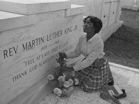 Lápide do tumulo do Rev. Martin Luther King Jr.