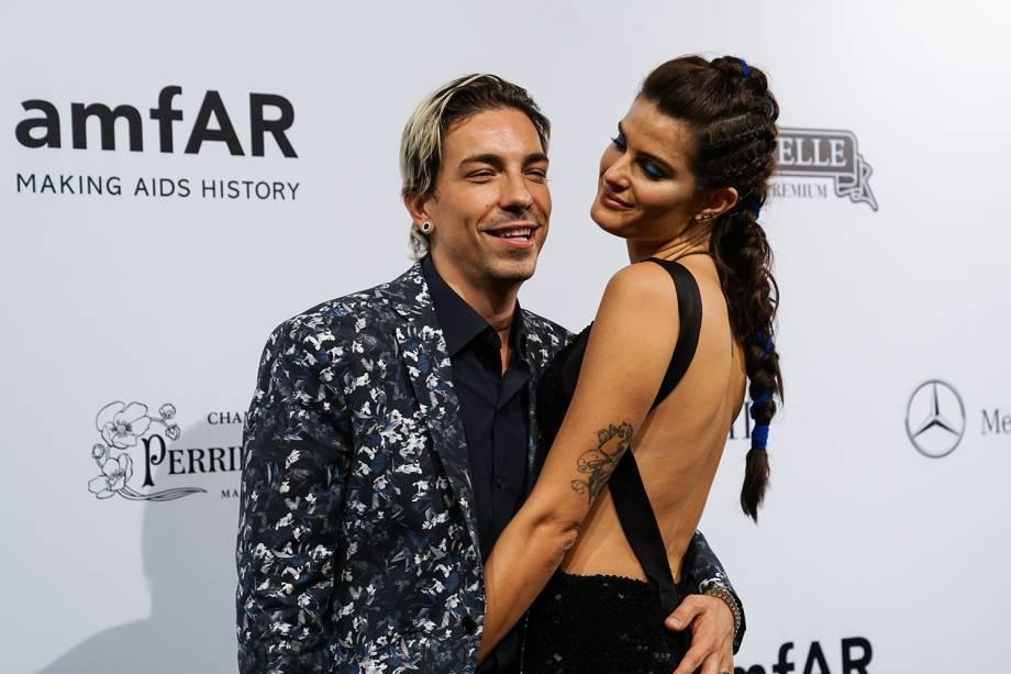 Di Ferreiro e Isabeli Fontana chegam para a oitava edição do evento de gala amfAR