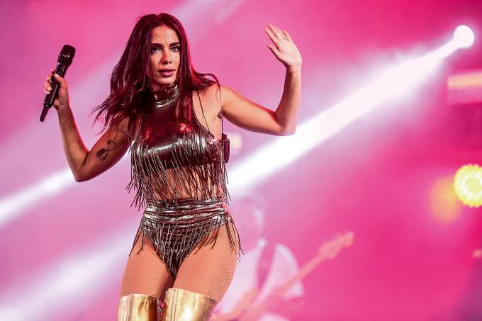 Show de Anitta, no Reveillon 2018 na praia de Copacabana