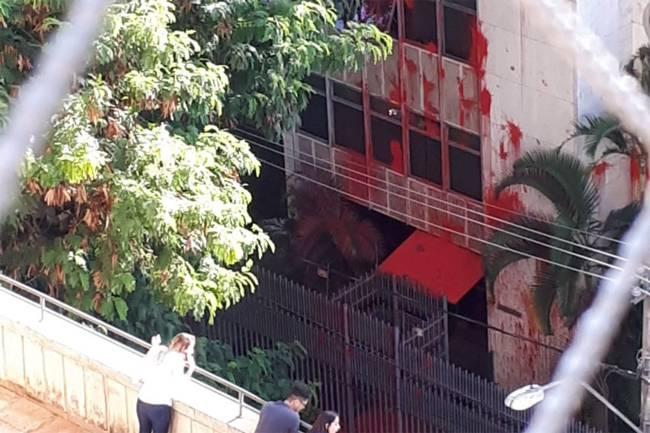 Apartamento de Carmen Lúcia é vandalizado em BH