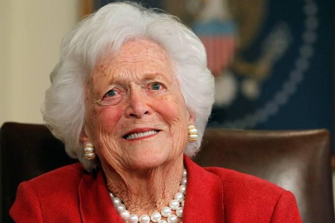 A ex-primeira-dama dos EUA Barbara Bush, em 2012