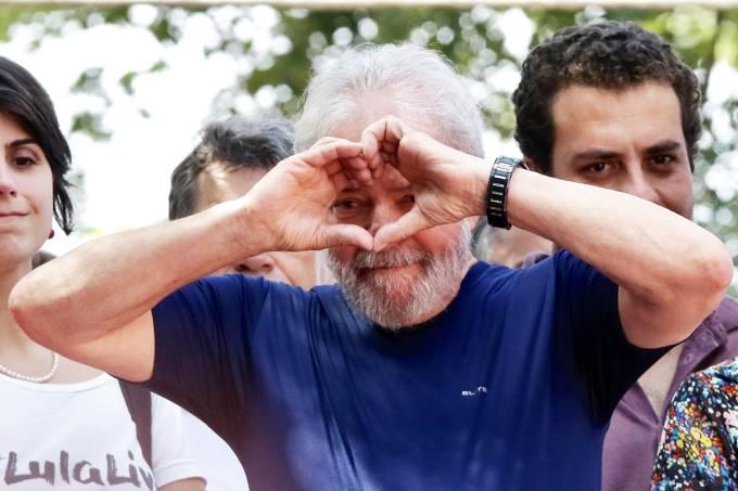 Prisão – Lula discursa no Sindicato dos Metalúrgicos antes de se entregar à PF para ser preso