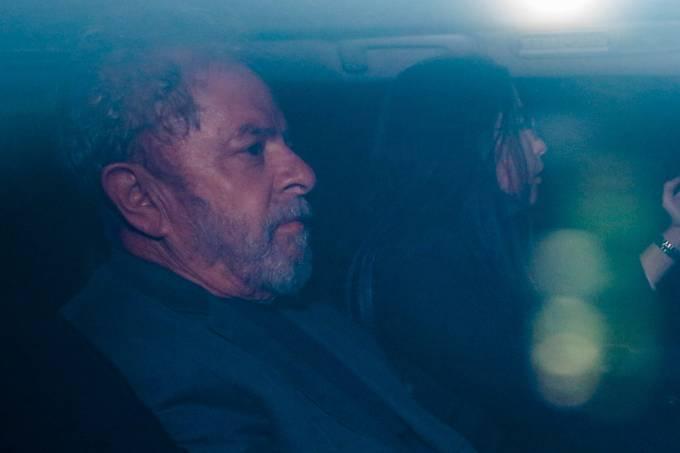 Lula chega a superintendência da Polícia Federal em São Paulo